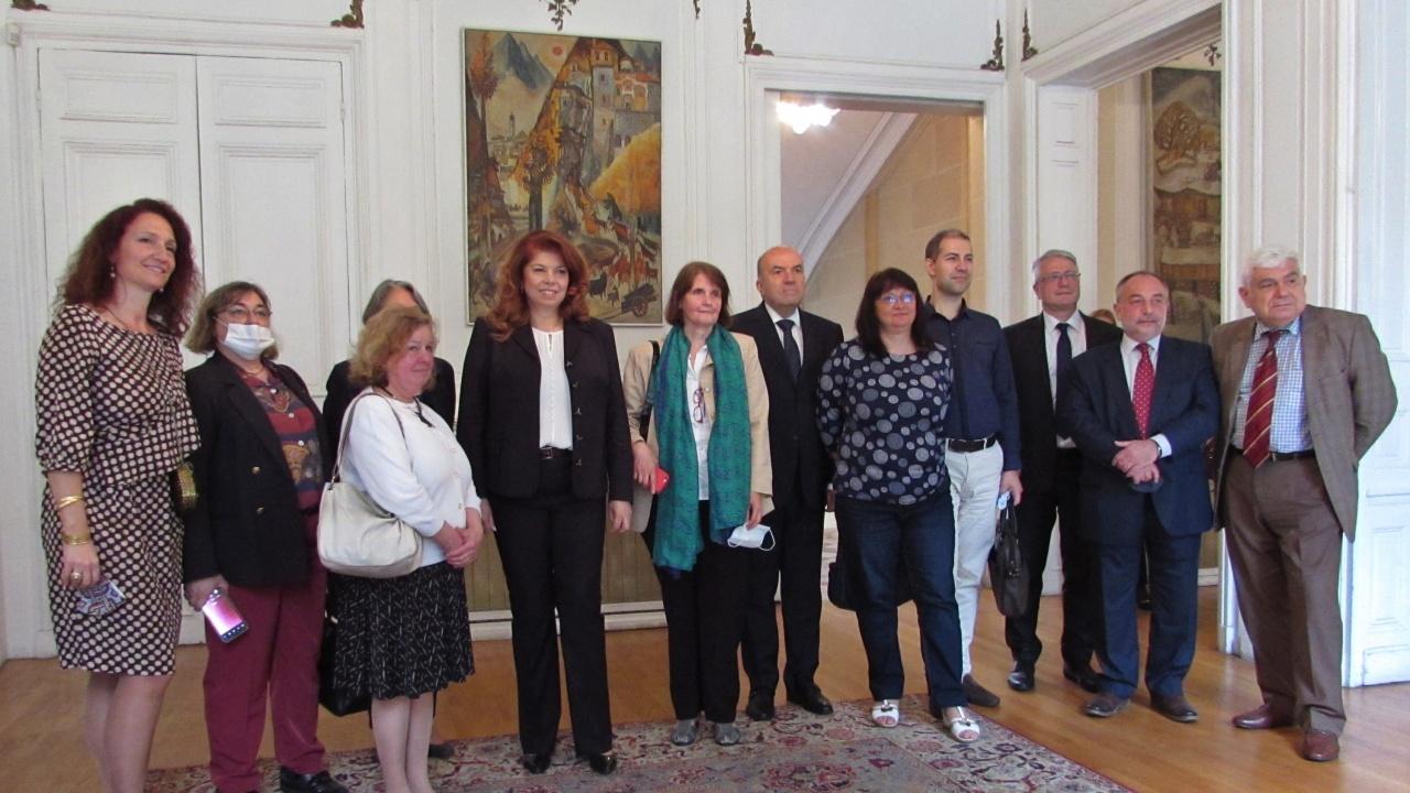 Представители на български училища във Франция към вицепрезидента: Високо ценим ангажираността Ви към българското образование в чужбина