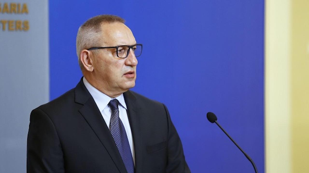 Министър Кузманов: Фирма, свързана с Божков, е печелила редовно обществени поръчки на БСТ от 2011 г. насам
