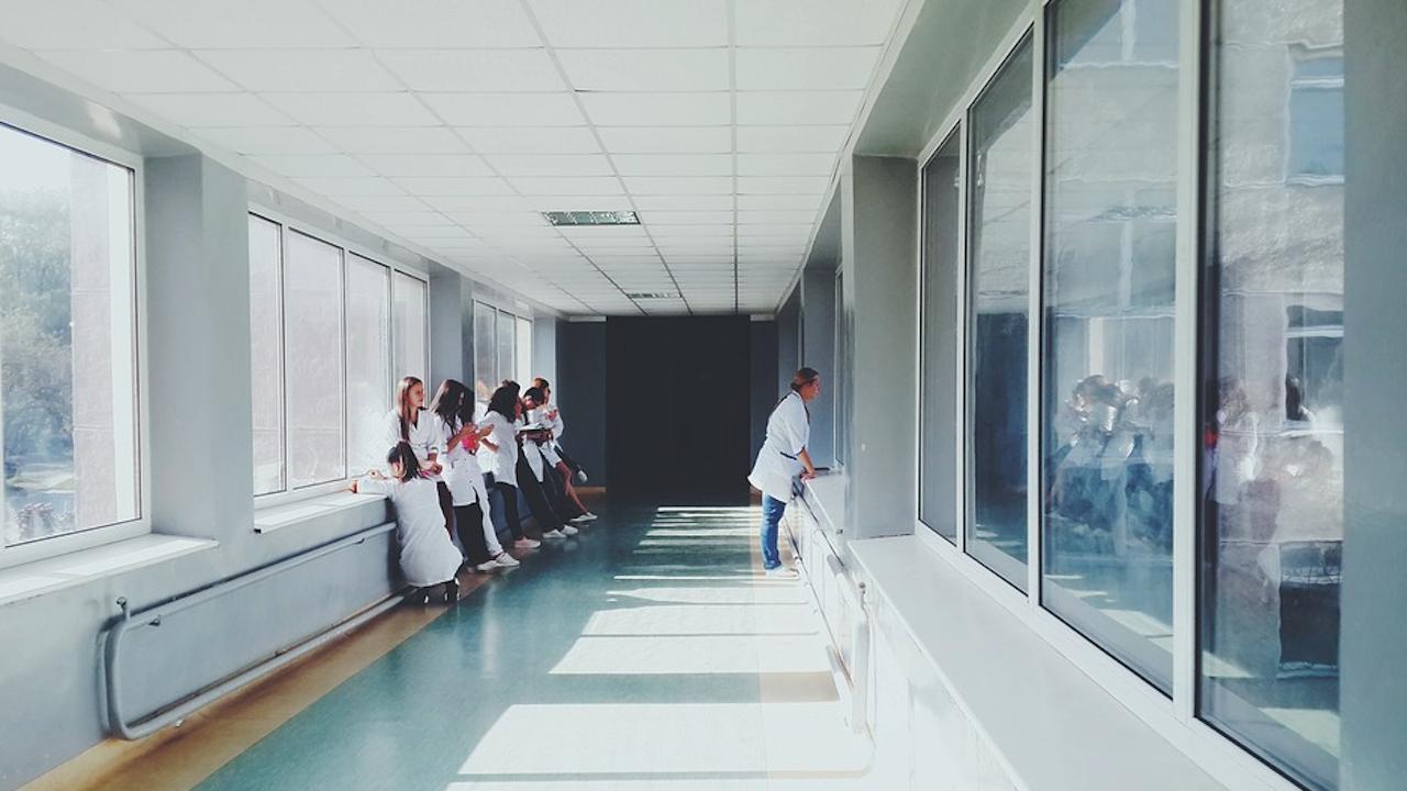МЗ предлага промени в Наредбата за изискванията към лечебните заведения, които обучават студенти и специализанти