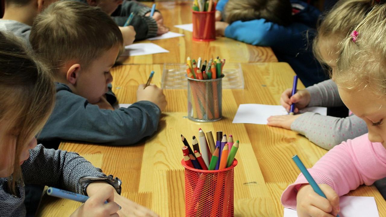 Областният кризисен щаб в Добрич разпореди мерки при сформирането на сборни групи в детските градини през лятото