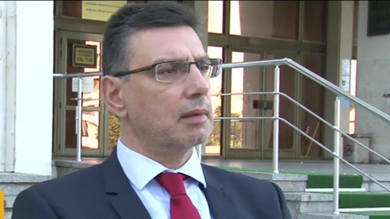 Прокурор с подробности за мъжа, наръгал 17 пъти момиче в Бургас