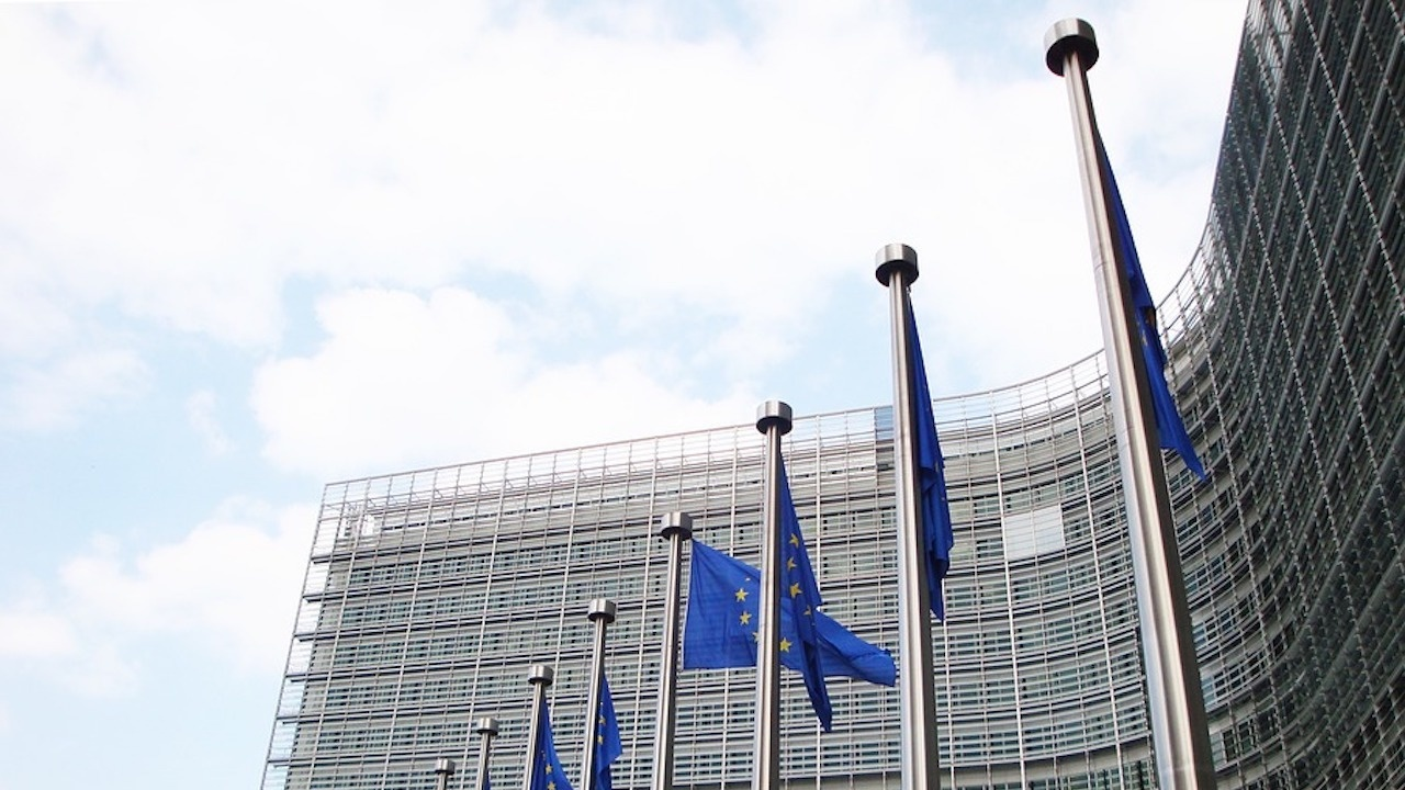 Запитвания и жалби, свързани с отменени преди месеци полети, продължават да постъпват в Европейския потребителски център