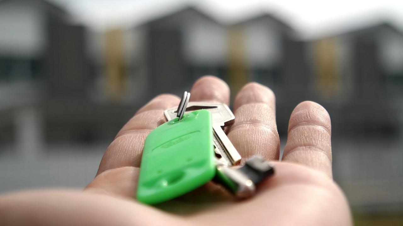 Икономист: Безумие е да купувате имоти сега