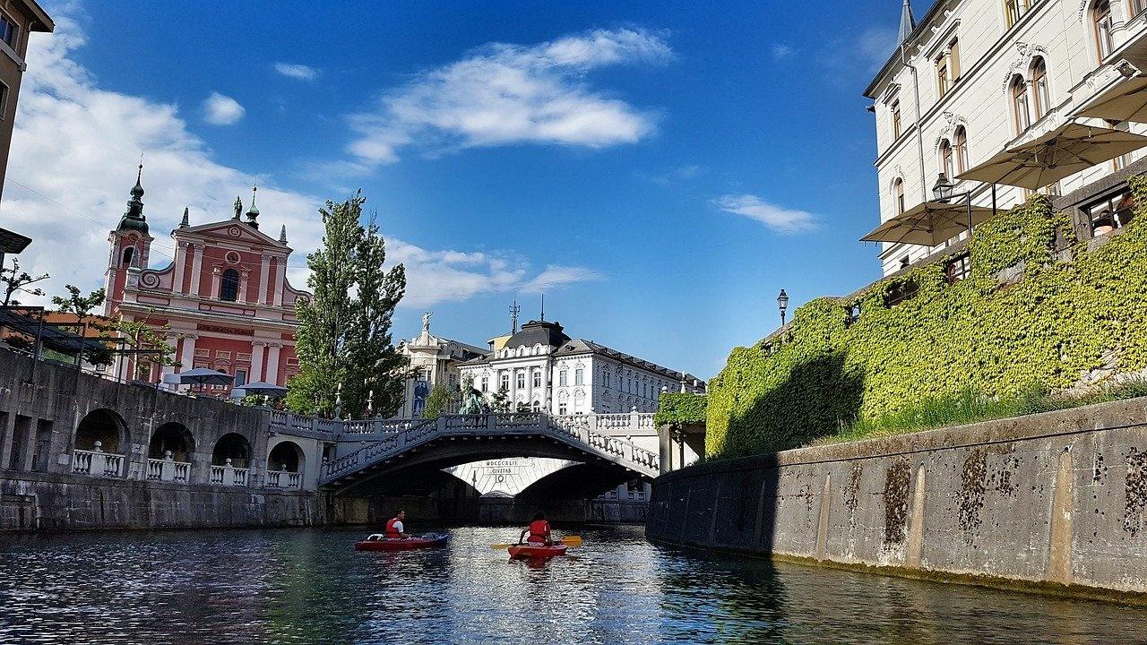 """Словения ще демонстрира въздържаност спрямо спорна клауза в пакет """"Мобилност"""""""