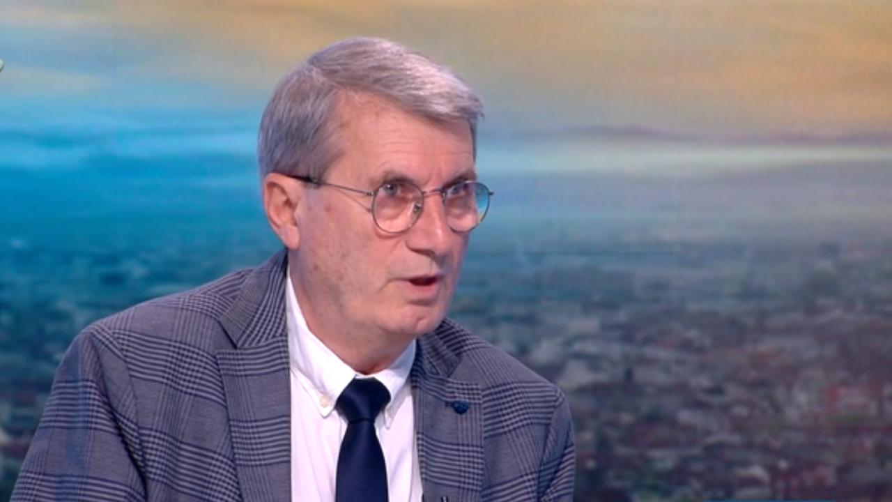 Доц. Хинков: Всяка година изготвяме анализ за здравето на българите, който накрая се забива на някой рафт