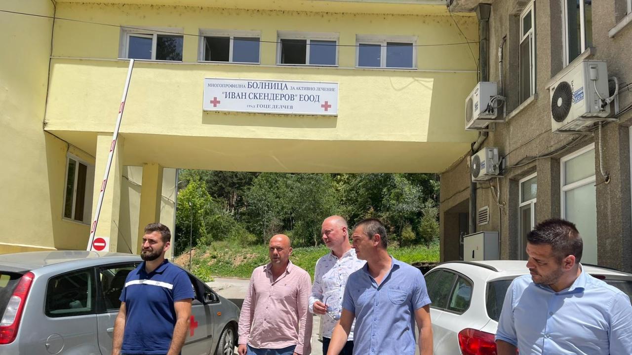 Лекари към Желязков: Недоумяваме защо служебният кабинет спря  парите за лекарите на първа линия