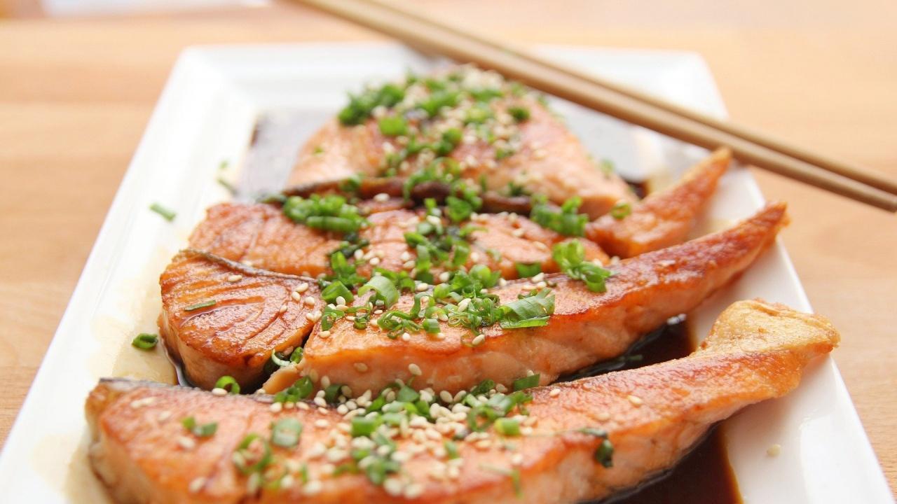 Консумацията на мазни риби намалява пристъпите на мигрена