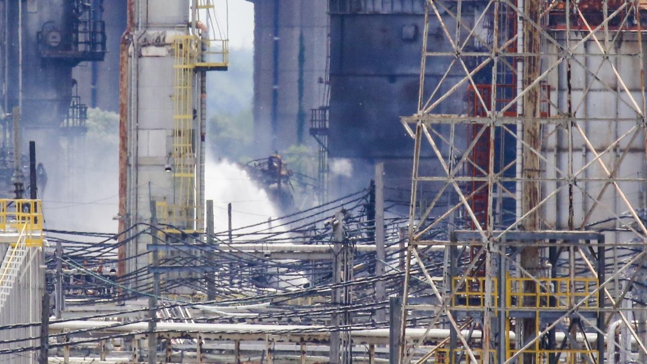 МВнР: Няма пострадали българи при експлозията в рафинерията ''Петромидия'' в Румъния