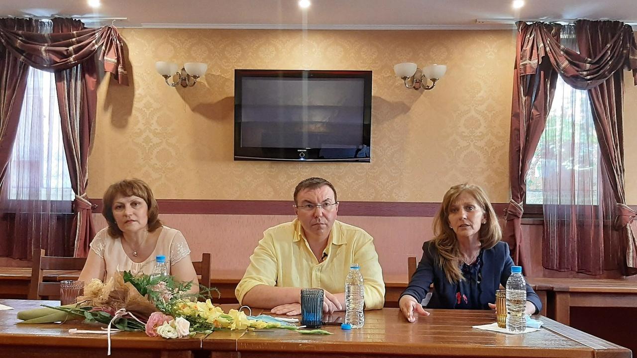 Проф. д-р Костадин Ангелов пред учители: Живеем в две държави – истинската и тази на фалшивите новини