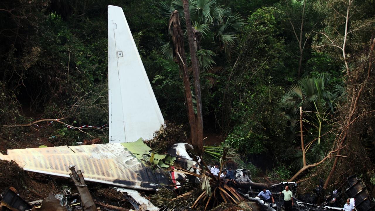 Расте броят на жертвите при катастрофата с филипинския военен самолет
