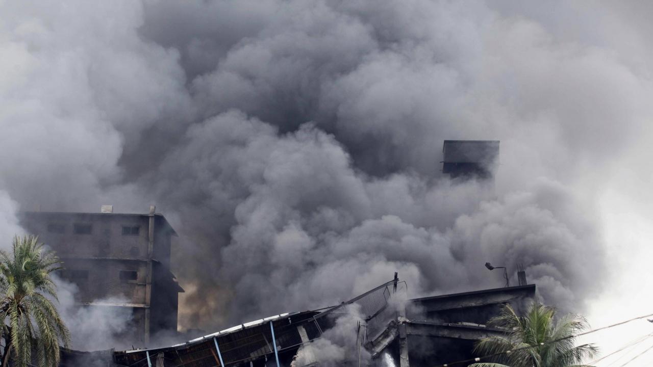 Най-малко един загинал при експлозия в тайландски химически завод, хиляди бяха евакуирани