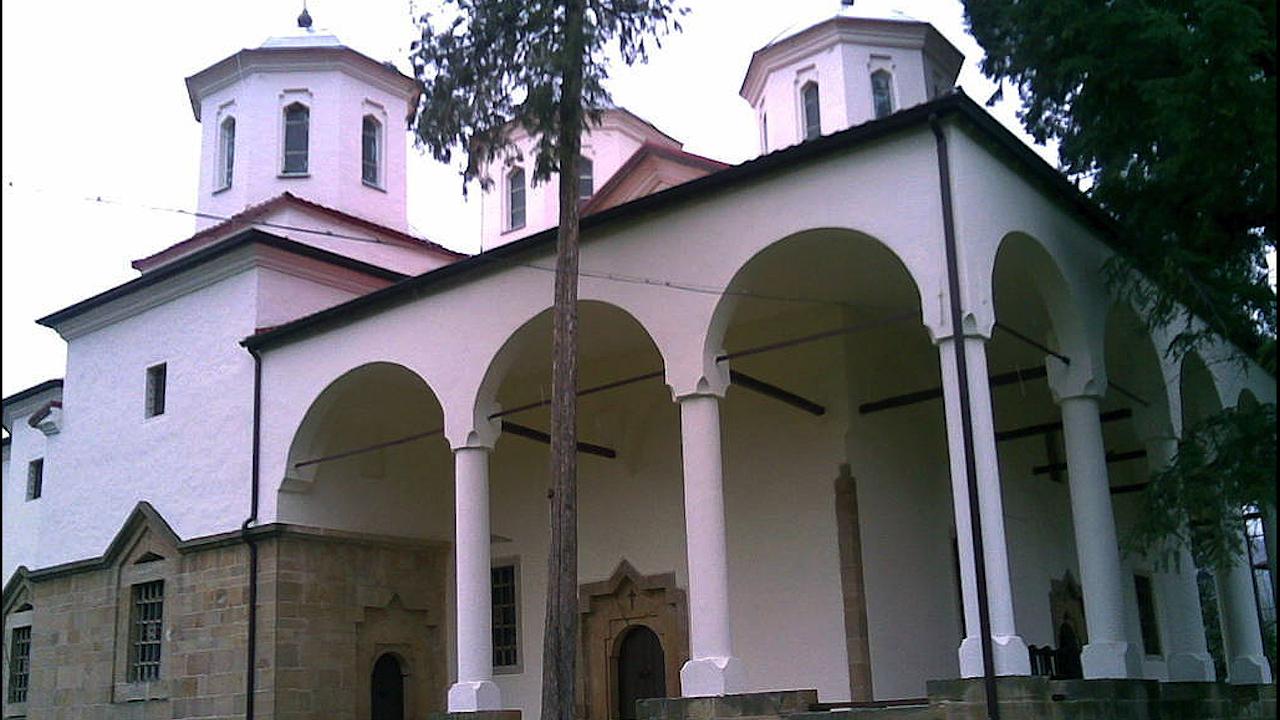 """В Лопушанския манастир """"Св. Йоан Предтеча"""" започна първата смяна на православния летен лагер за деца"""