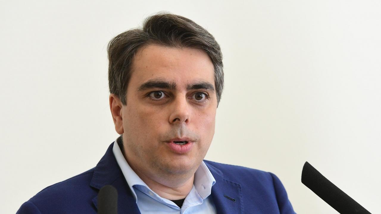 Асен Василев разкри кои компании ще се облагат с нов корпоративен данък