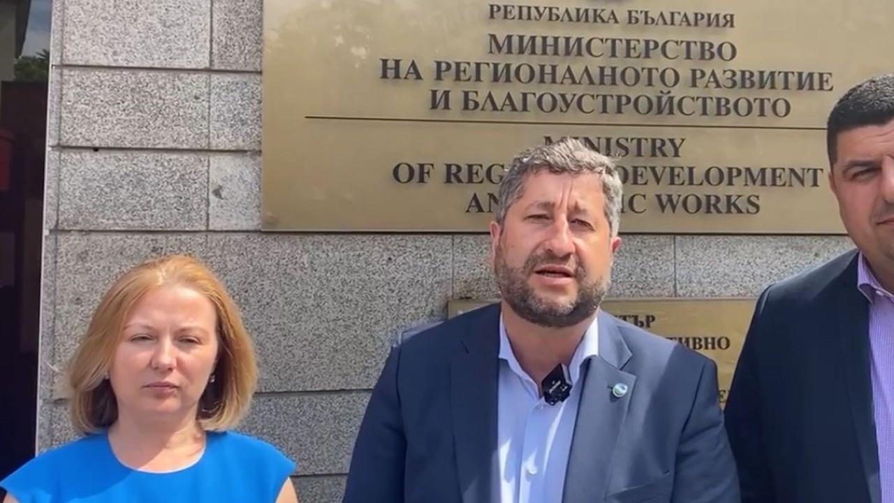 Демократична България настоя регионалното министерство да въведе ред на Росенец
