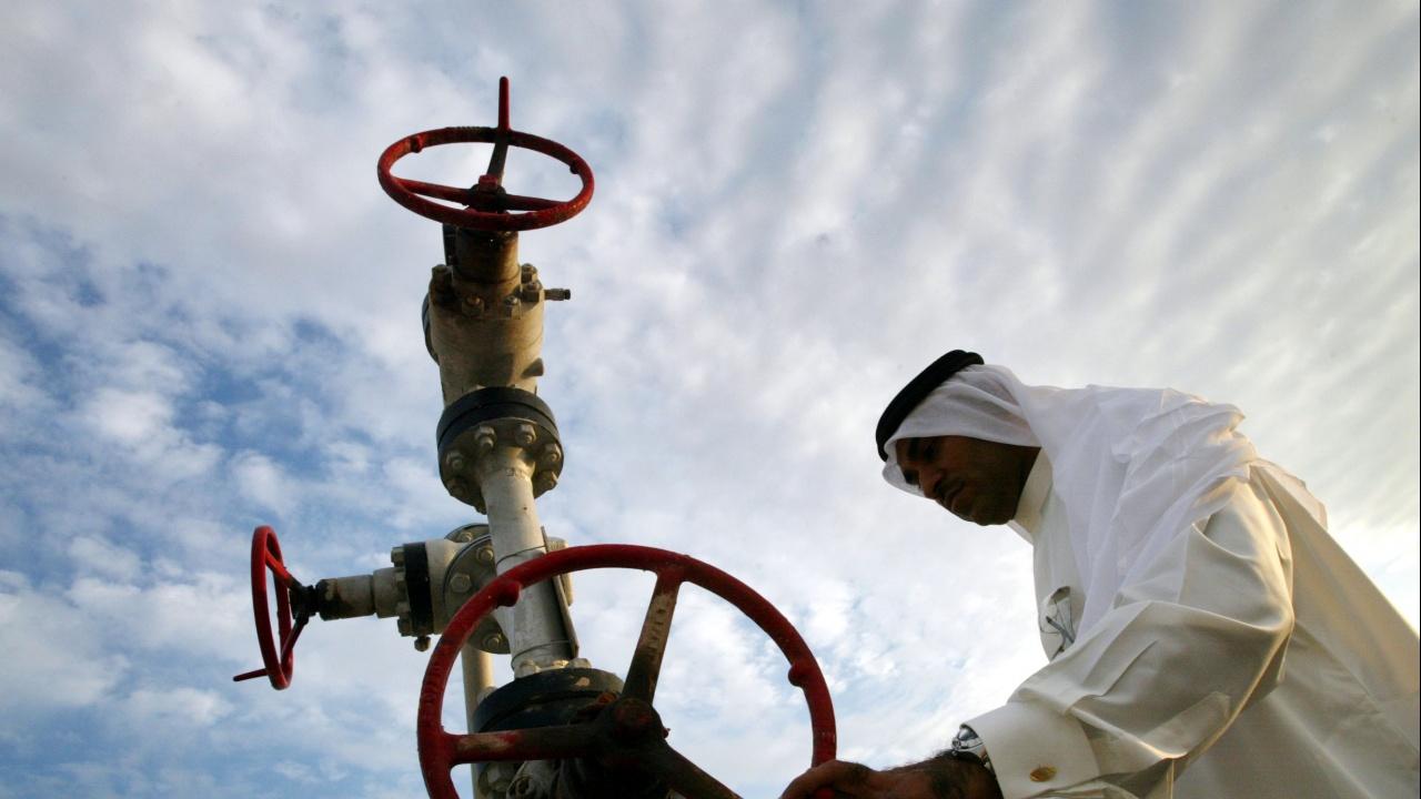 Остри разногласия за петрола между ОАЕ и Саудитска Арабия провалиха срещата на ОПЕК+