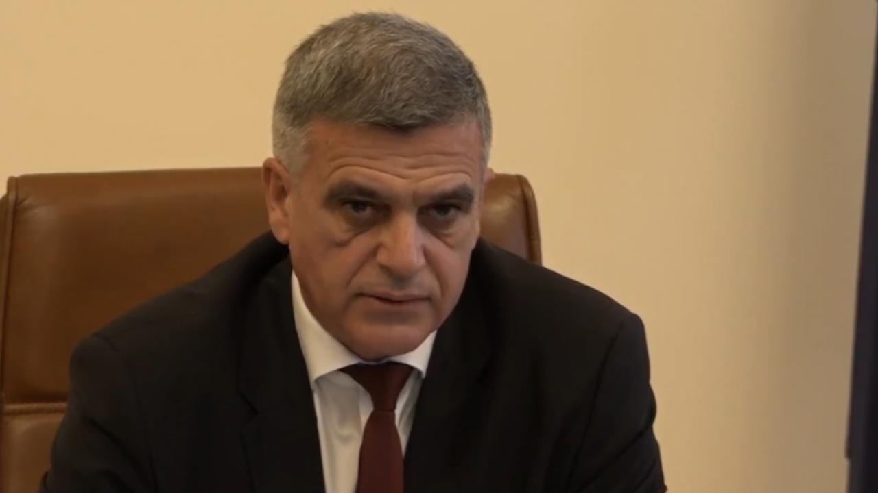 Стефан Янев притеснен: Предстоят трудни времена, партиите трябва да формират стабилно правителство
