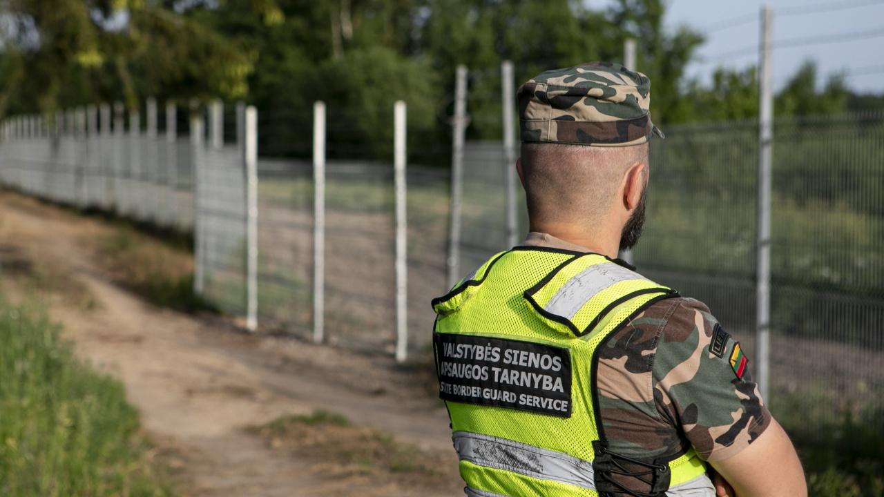 Литва иска от Турция да ѝ помогне за идентифициране на мигранти от Беларус