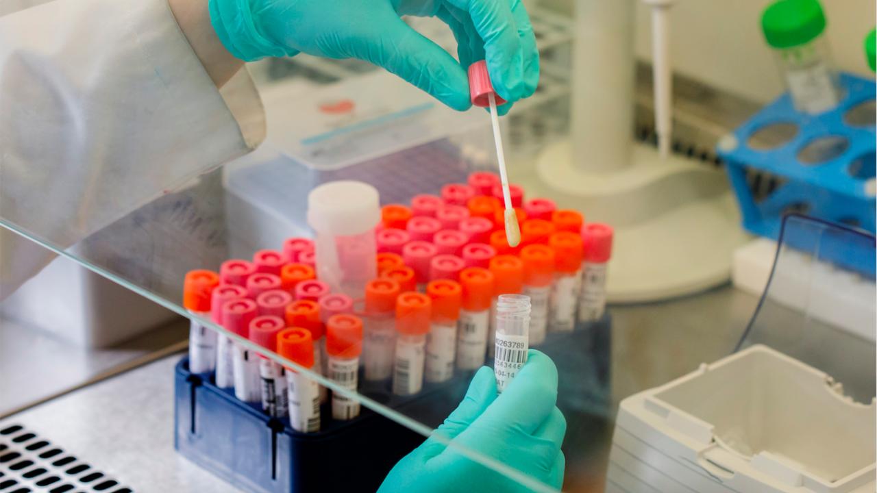 Увеличават се случаите на заразени с коронавирус във Великобритания