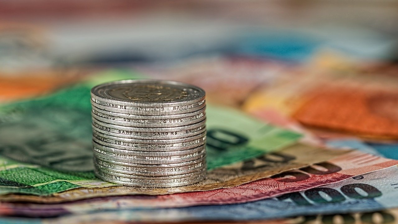 """Рекорд в Агенция """"Митници"""" по задържана недекларирана валута"""