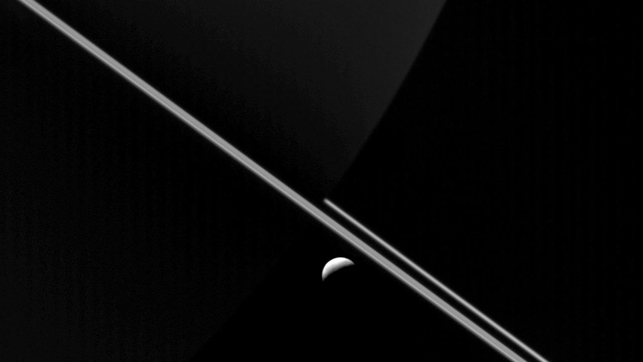 Метанът на луната Енцелад може да е признак за живот