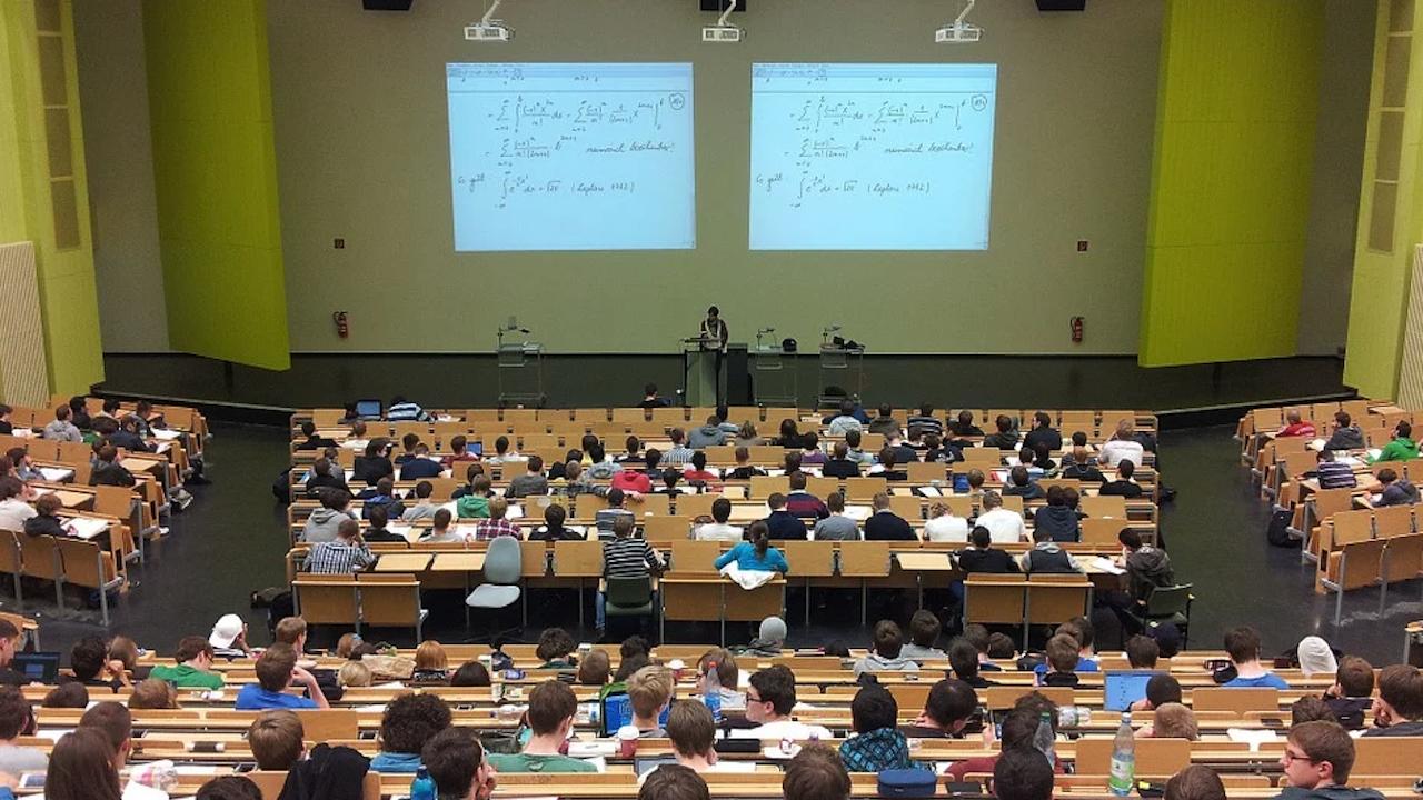 Всички места за студенти във филиала на Русенския университет във Видин са запълнени
