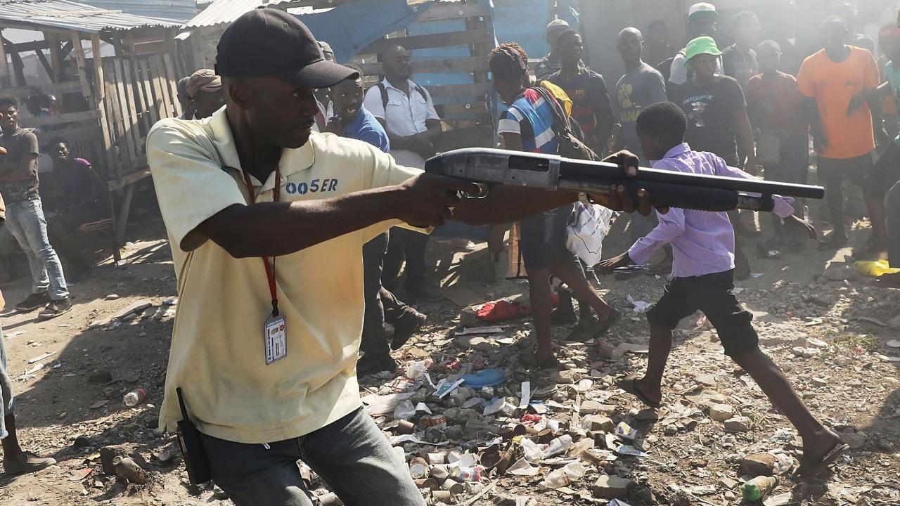 Президентът на Хаити е убит с 12 куршума