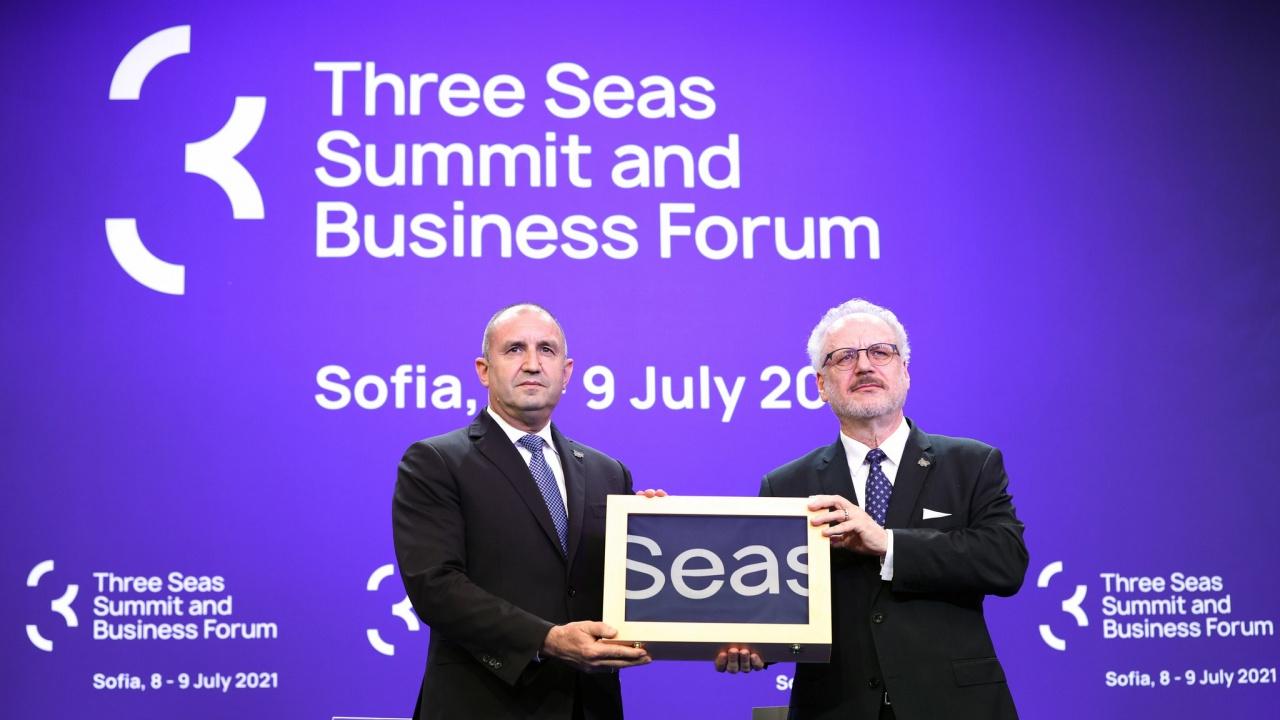 """Румен Радев: Приехме съвместната декларация на държавните ръководители по време на """"Три морета"""""""