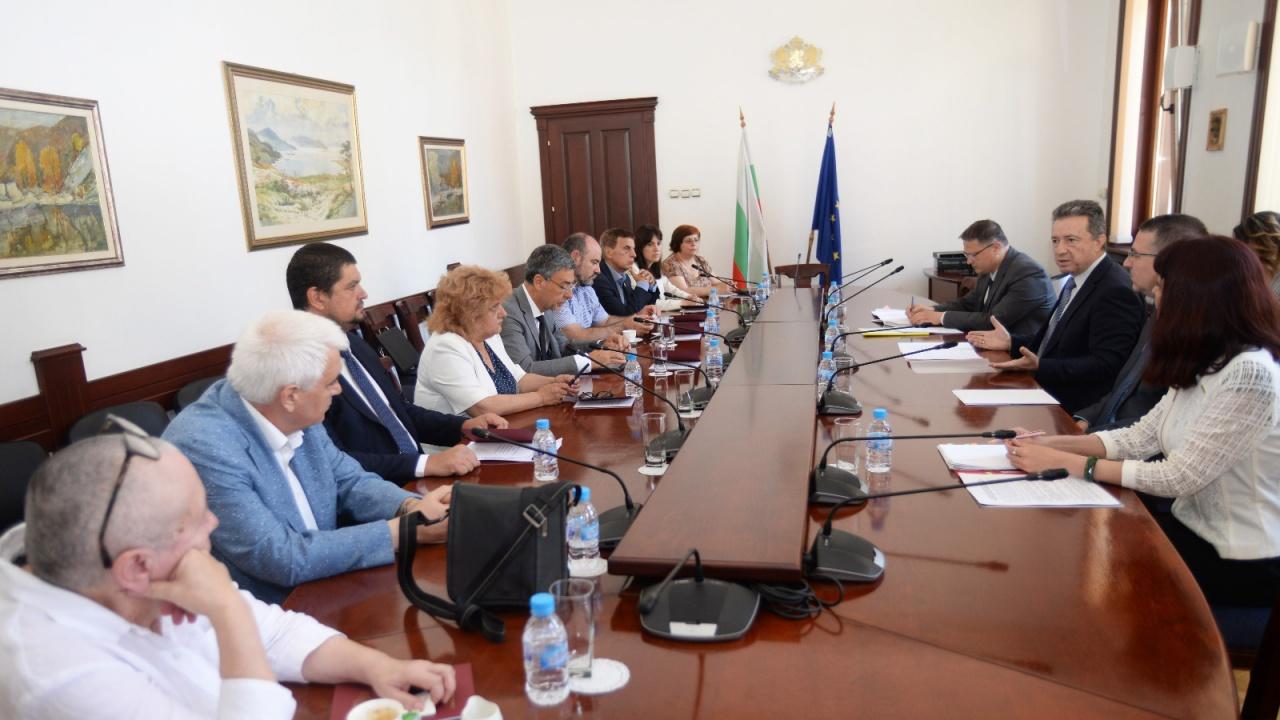 Министърът на правосъдието проф. Стоилов обсъди основните въпроси на юридическото образование