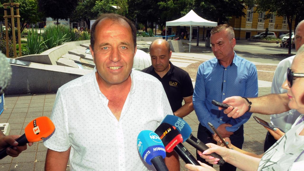 Кметът на село Бата ще си търси правата в Страсбург
