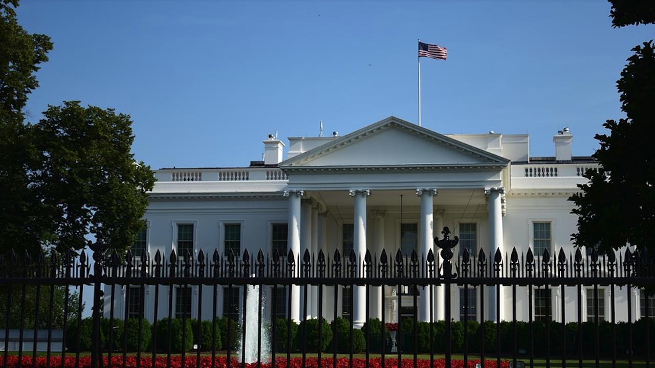 САЩ добавиха 14 китайски компании в икономическия си санкционен списък заради Синцзян