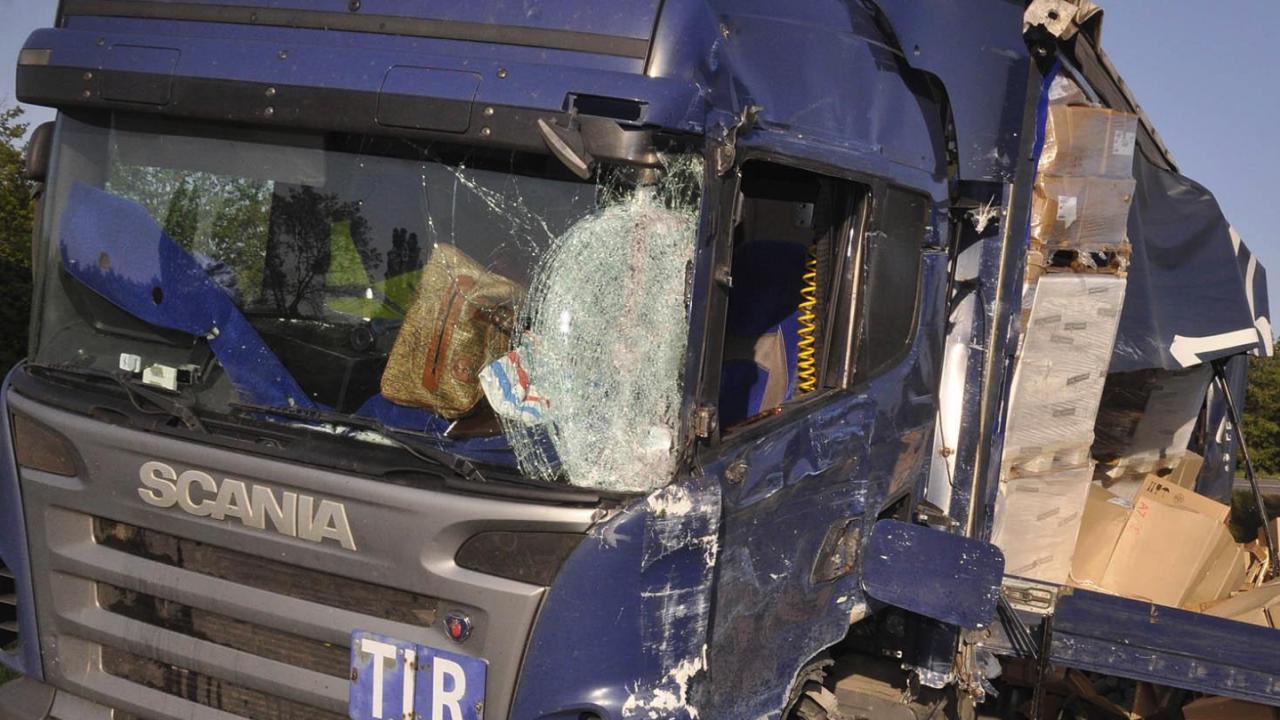 """Зверска катастрофа с два камиона на АМ """"Тракия"""""""