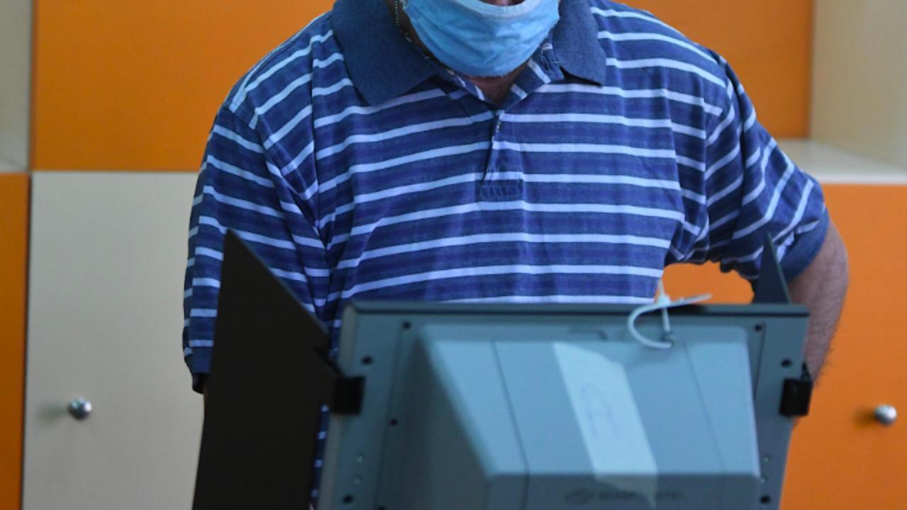 В област Видин в две избирателни секции не са заработили машините за гласуване