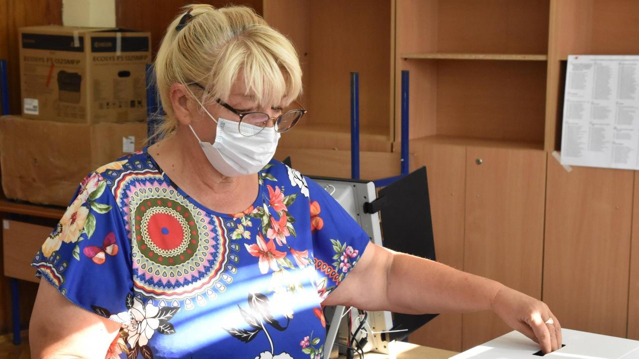 Спряно е машинното гласуване в четири секции в Бургаско