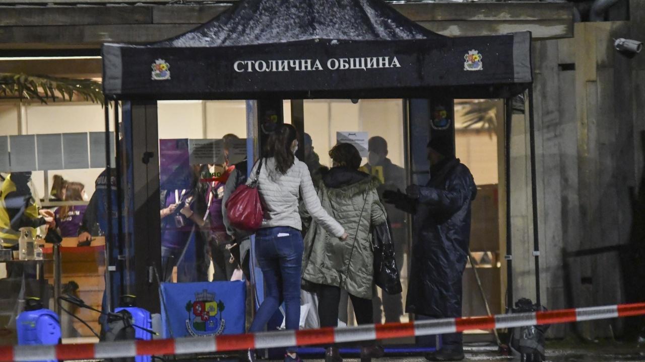 """Над 1200 СИК се очаква да предадат изборните книжа в зала """"Арена Армеец"""""""