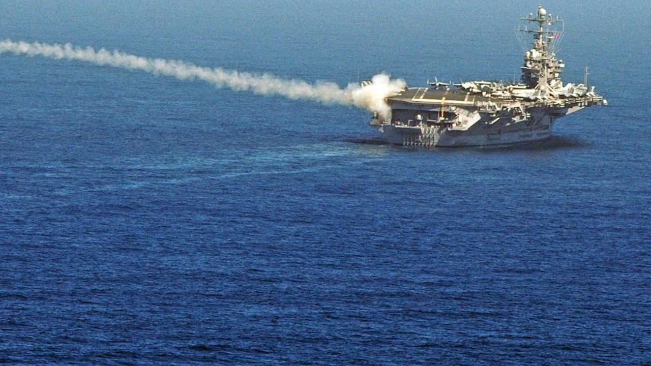 Китай: Изгонихме военен кораб на САЩ