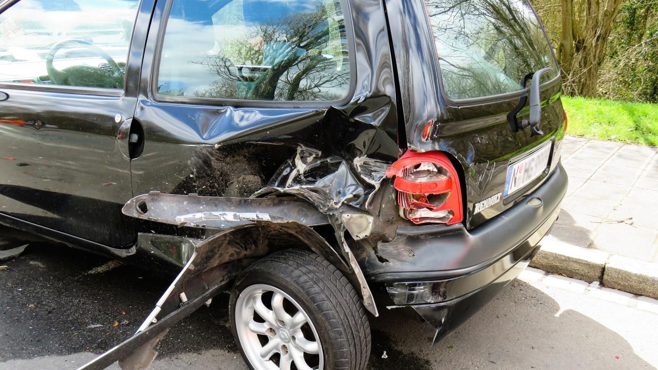 Четирима души пострадаха при сблъсък на пътя Бургас - Созопол