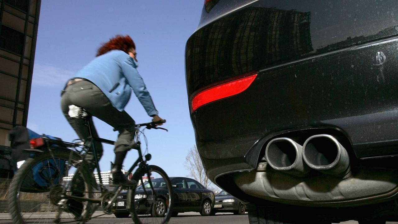 ЕС ще въведе крайна дата за автомобилите с двигатели с вътрешно горене