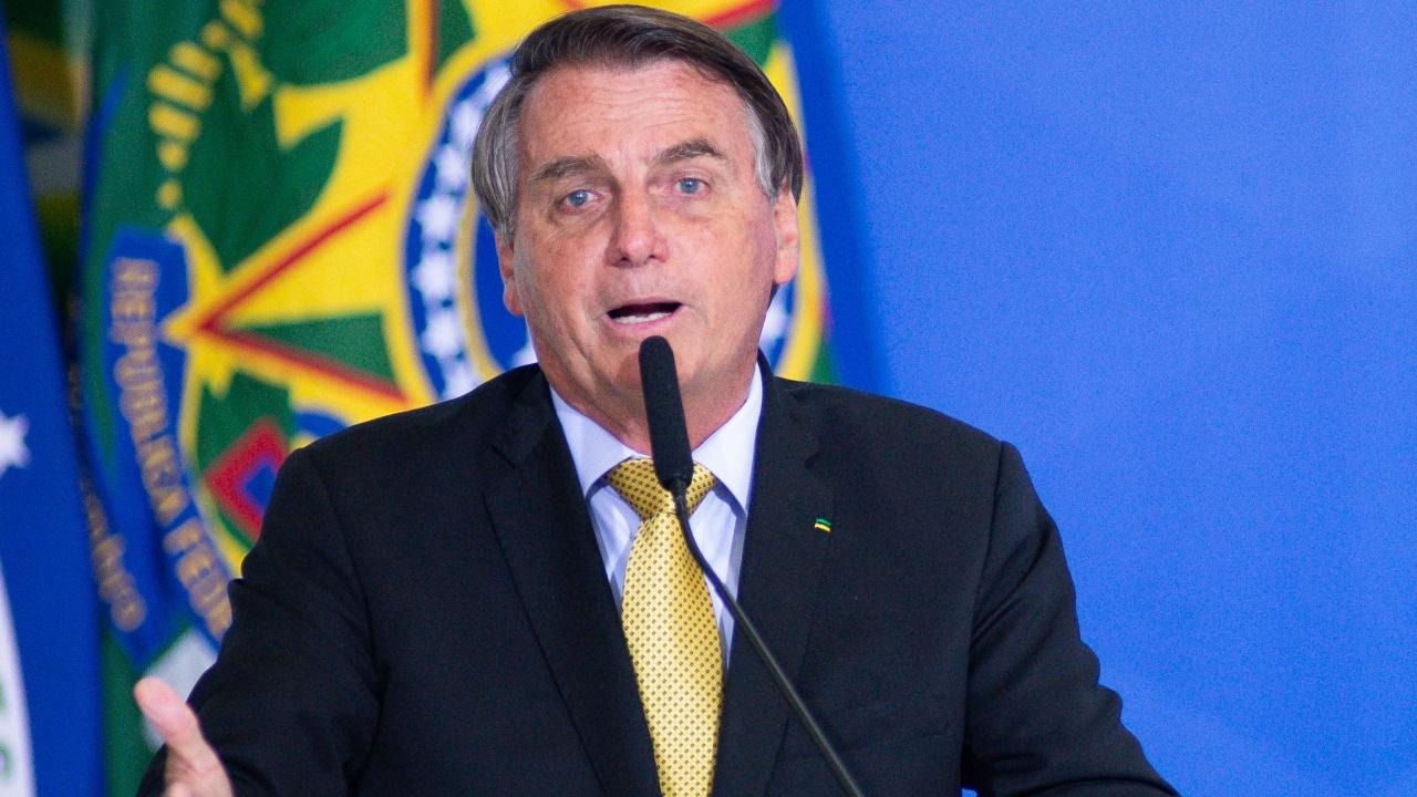 Бразилският президент влезе в болница на фона на скандал