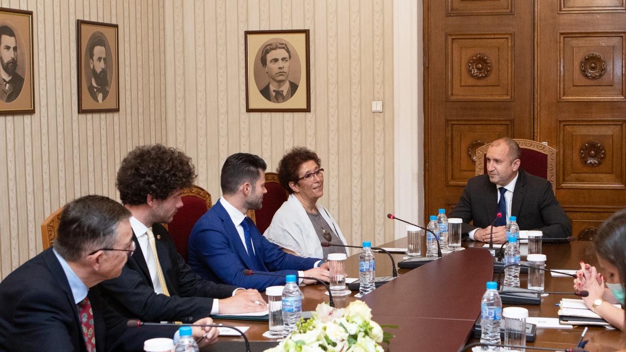 Радев: Подкрепям бизнеса, който създава висока добавена стойност, насърчава инвестициите и увеличава перспективите пред младите хора в България