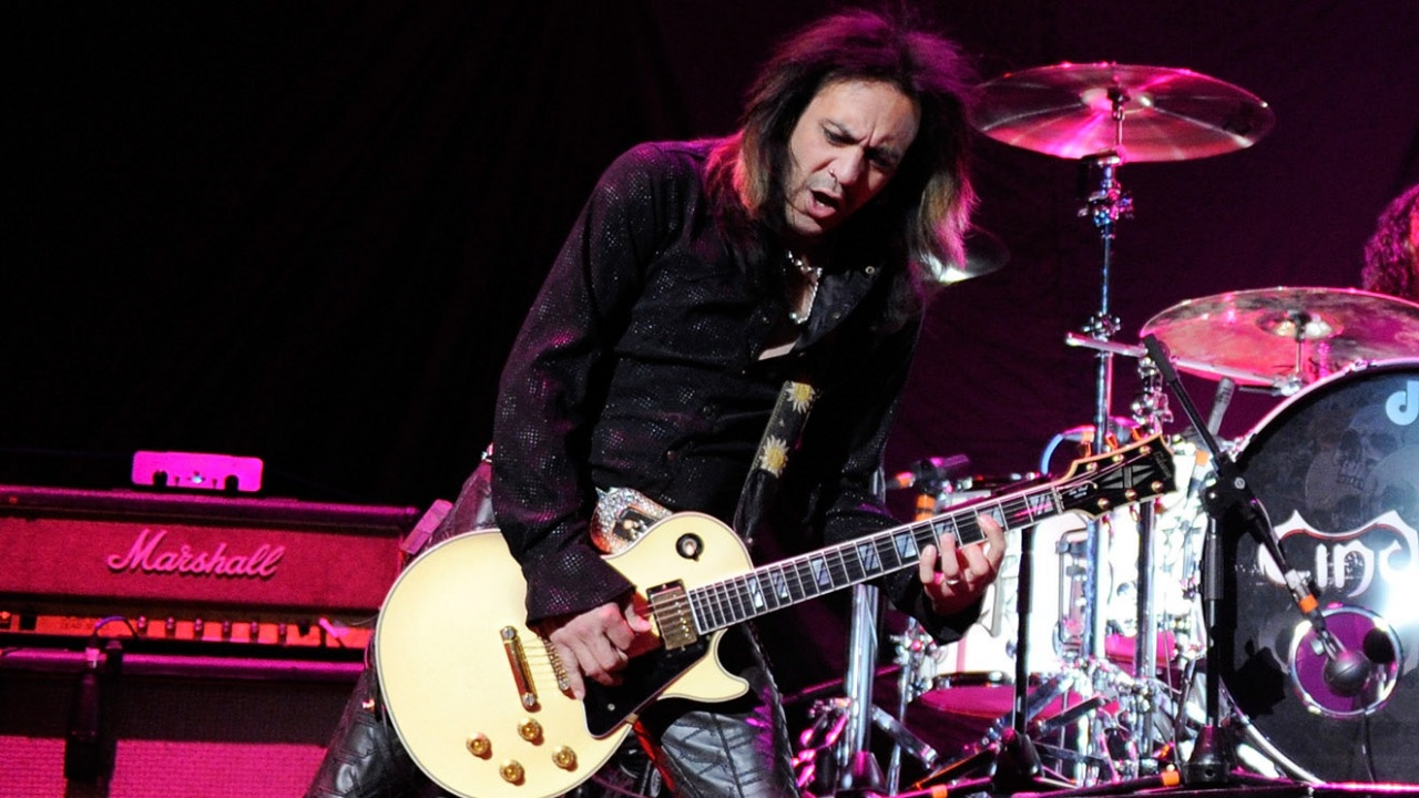 Китарист на рокгрупа бе намерен мъртъв