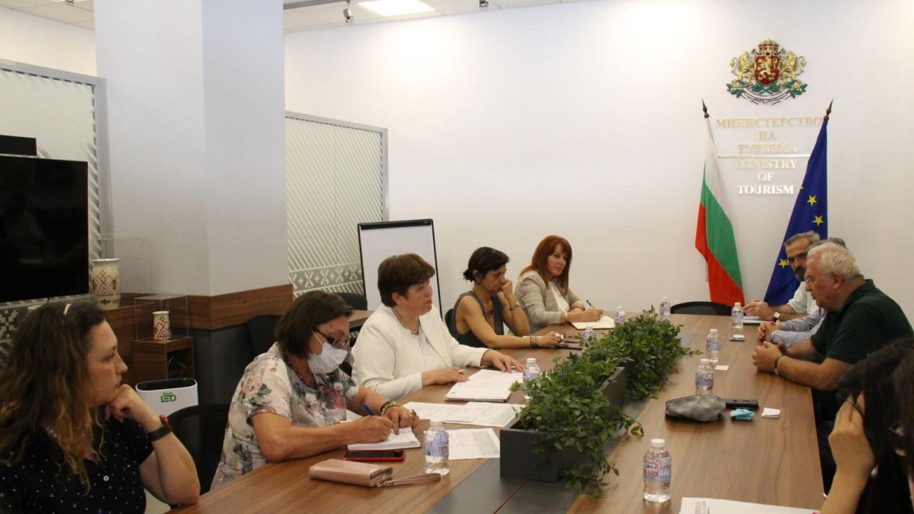 Решителни действия за регламентиране на статута на хижите в България