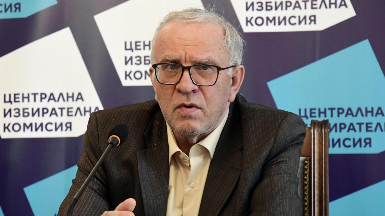 Цветозар Томов разкри:  Има политически натиск от партии върху ЦИК