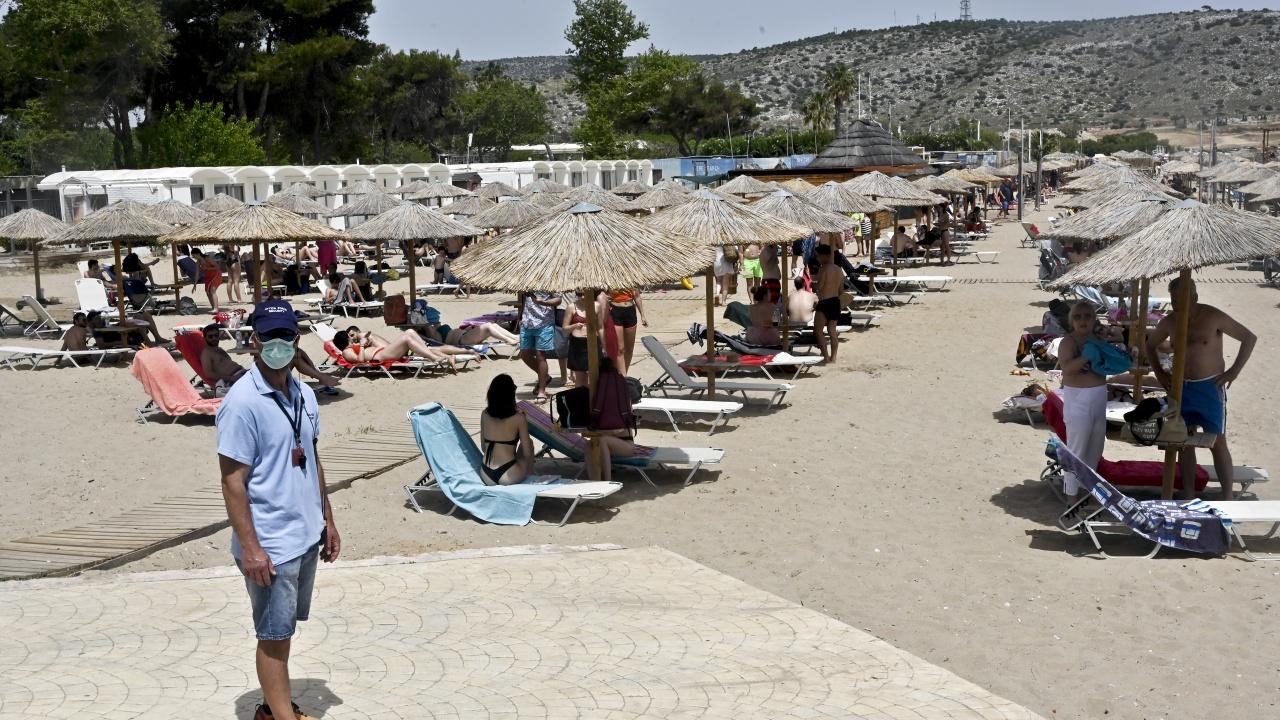 Туристически райони в Гърция влязоха в оранжевата зона