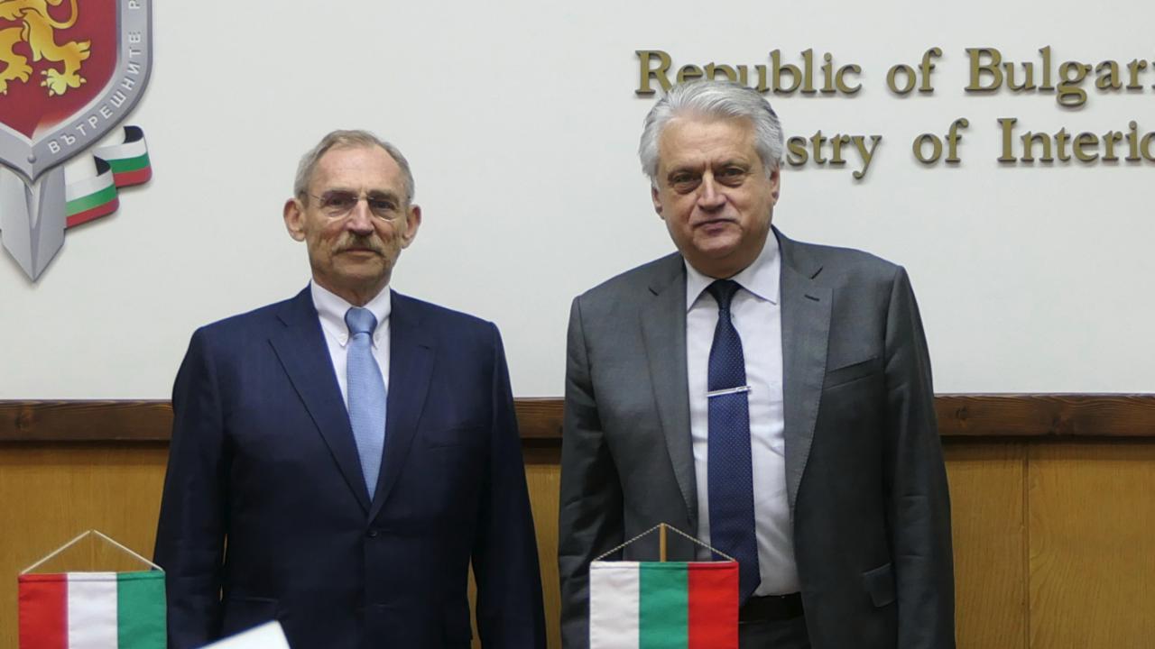 Рашков и унгарският му колега на среща, продължава работата по противодействие на трансграничната престъпност