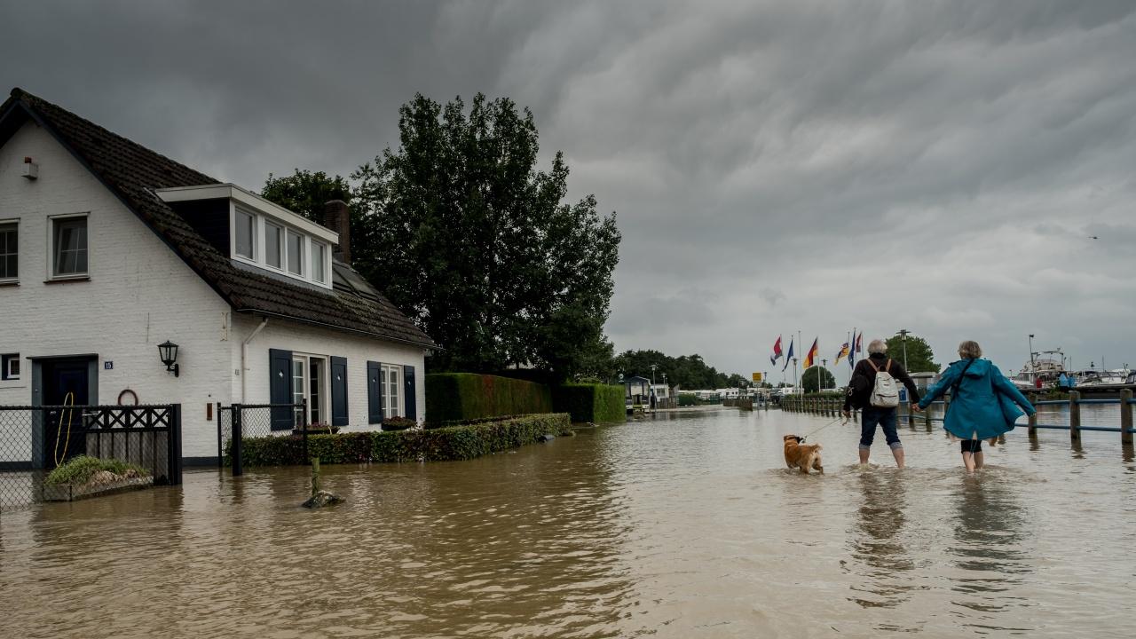 Стотици жертви на наводненията: Германия обяви режим на военната катастрофа