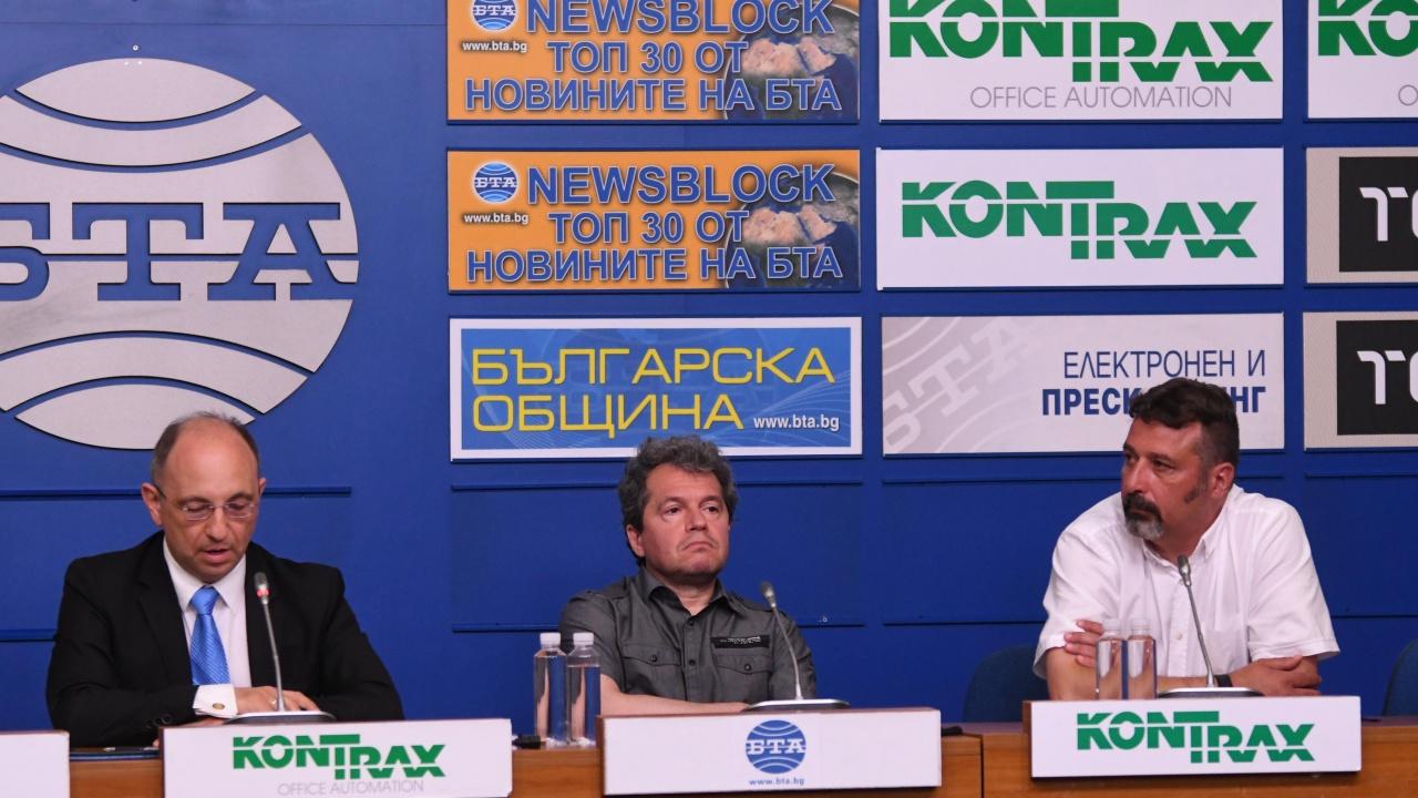 Психиатърът д-р Михайлов: Останахме с впечатление, че декадата на шутовете е свършила. Получи се изненада