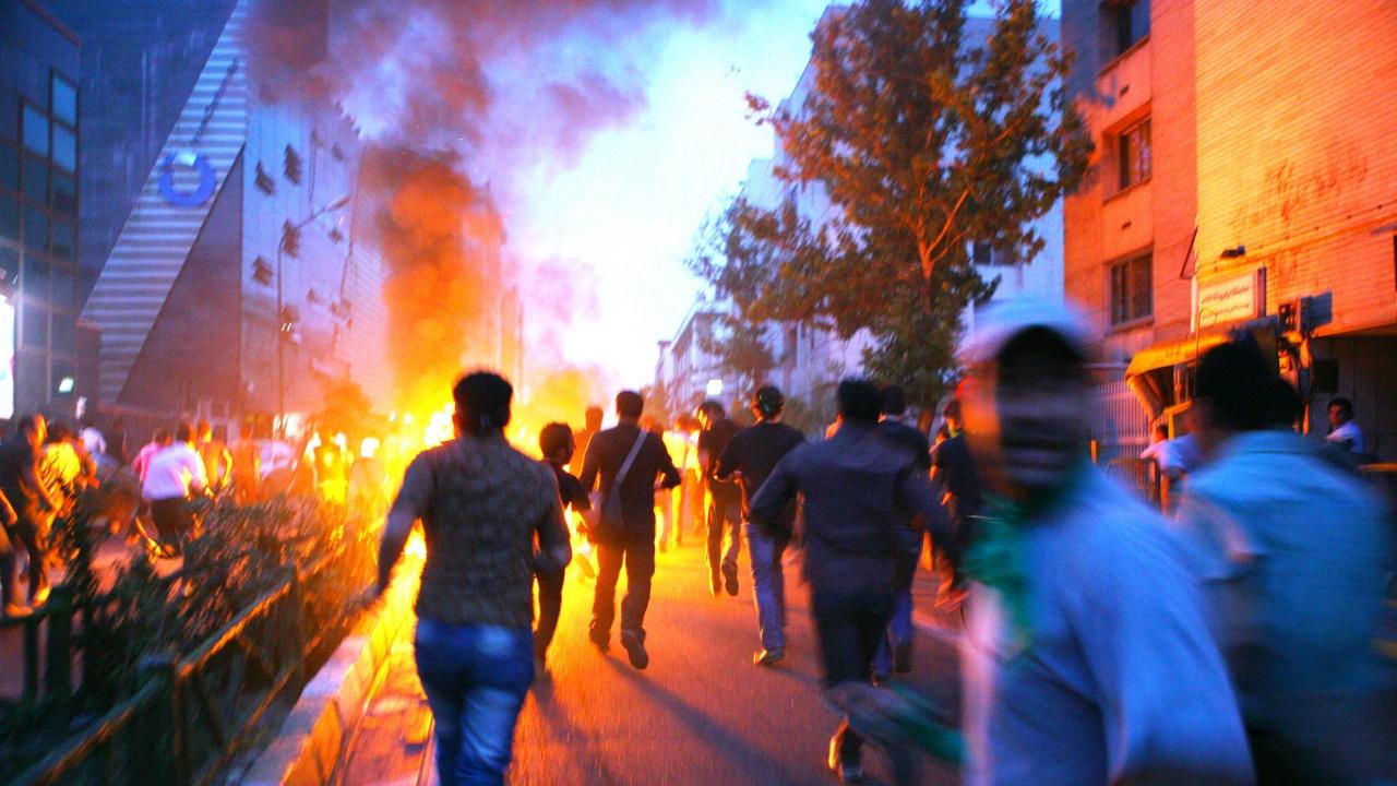 Мъж бе застрелян по време на демонстрация срещу недостига на вода в Иран