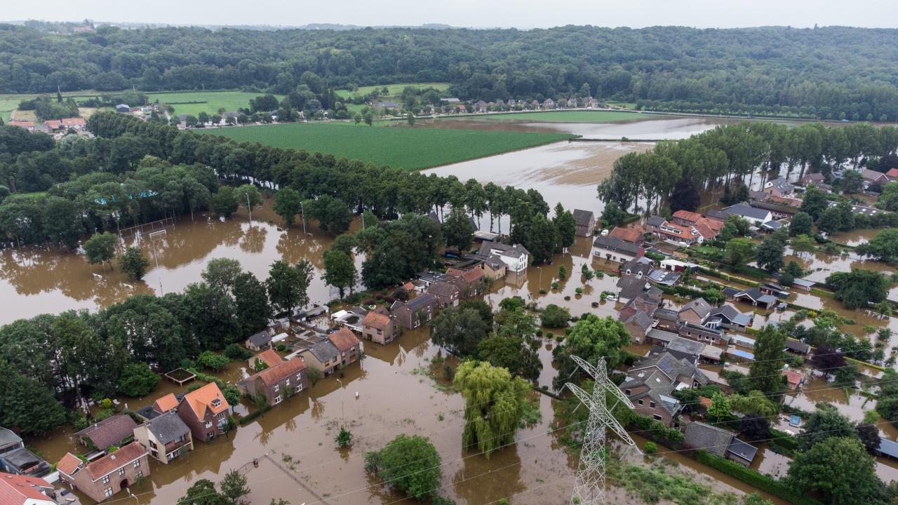 Премиерът на Нидерландия: За наводненията в Европа са отговорни климатичните изменения