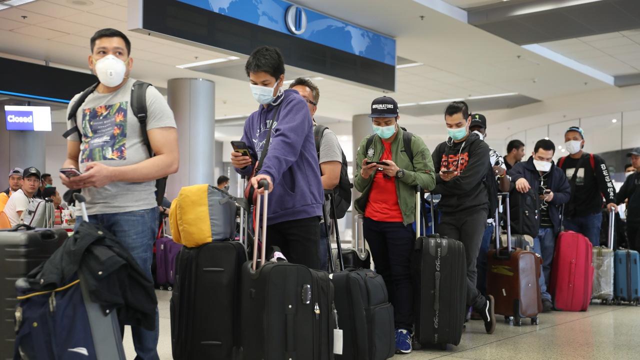 Запазването на карантината за бритнаците, пътуващи във Франция, предизвика недоволство