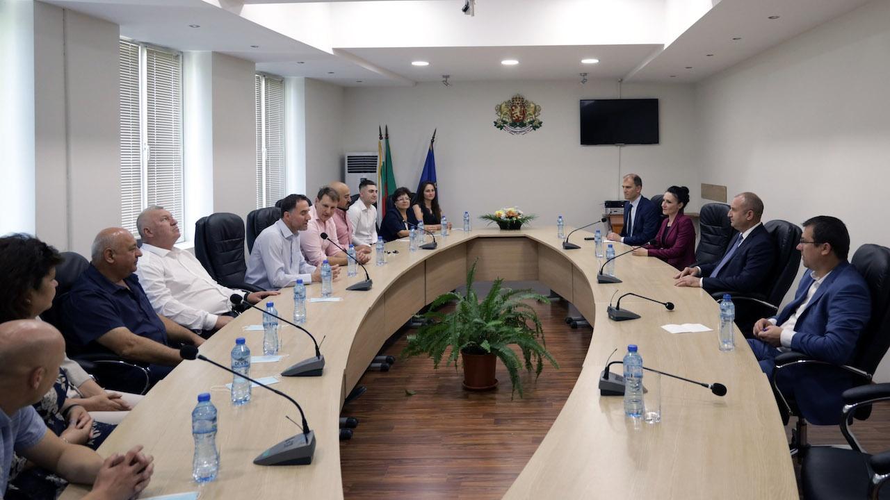 Румен Радев: Сигурността за бизнеса са от ключово значение за насърчаване на инвестициите в малките населени места
